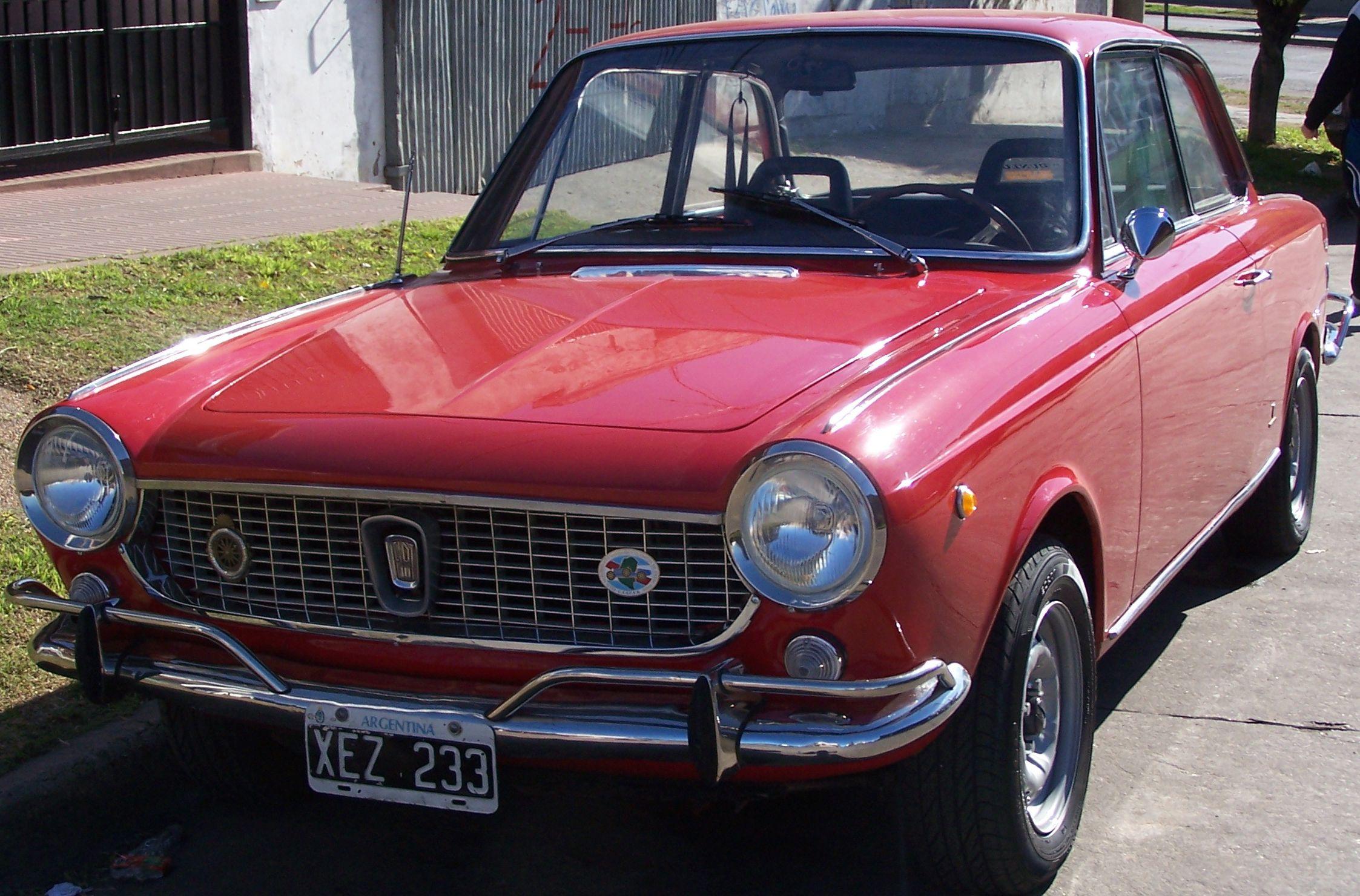 Fiat 1500 Coupé año 1967. Motor, embrague, tren delantero, tren trasero, tanque nafta, escape, tapizado y pintura a cero muy original. http://www.arcar.org/fiat-1500-coupe-45457