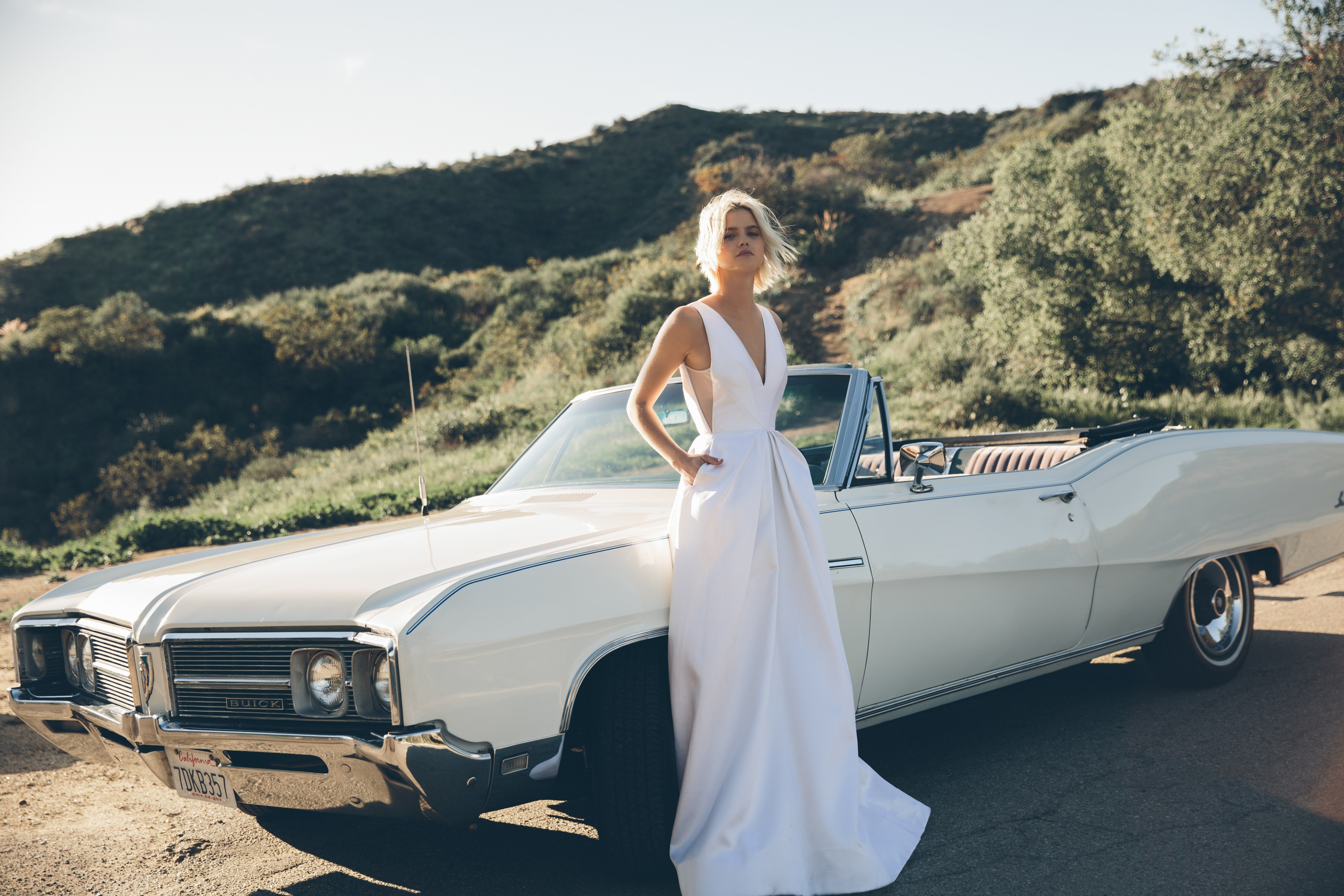 So, Now You Can Design Your Own Wedding Dress Online | Wedding ...