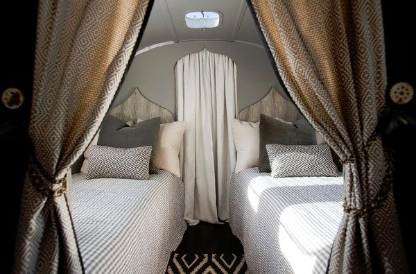 chambre chambres pinterest caravane relooking caravane et airstream. Black Bedroom Furniture Sets. Home Design Ideas