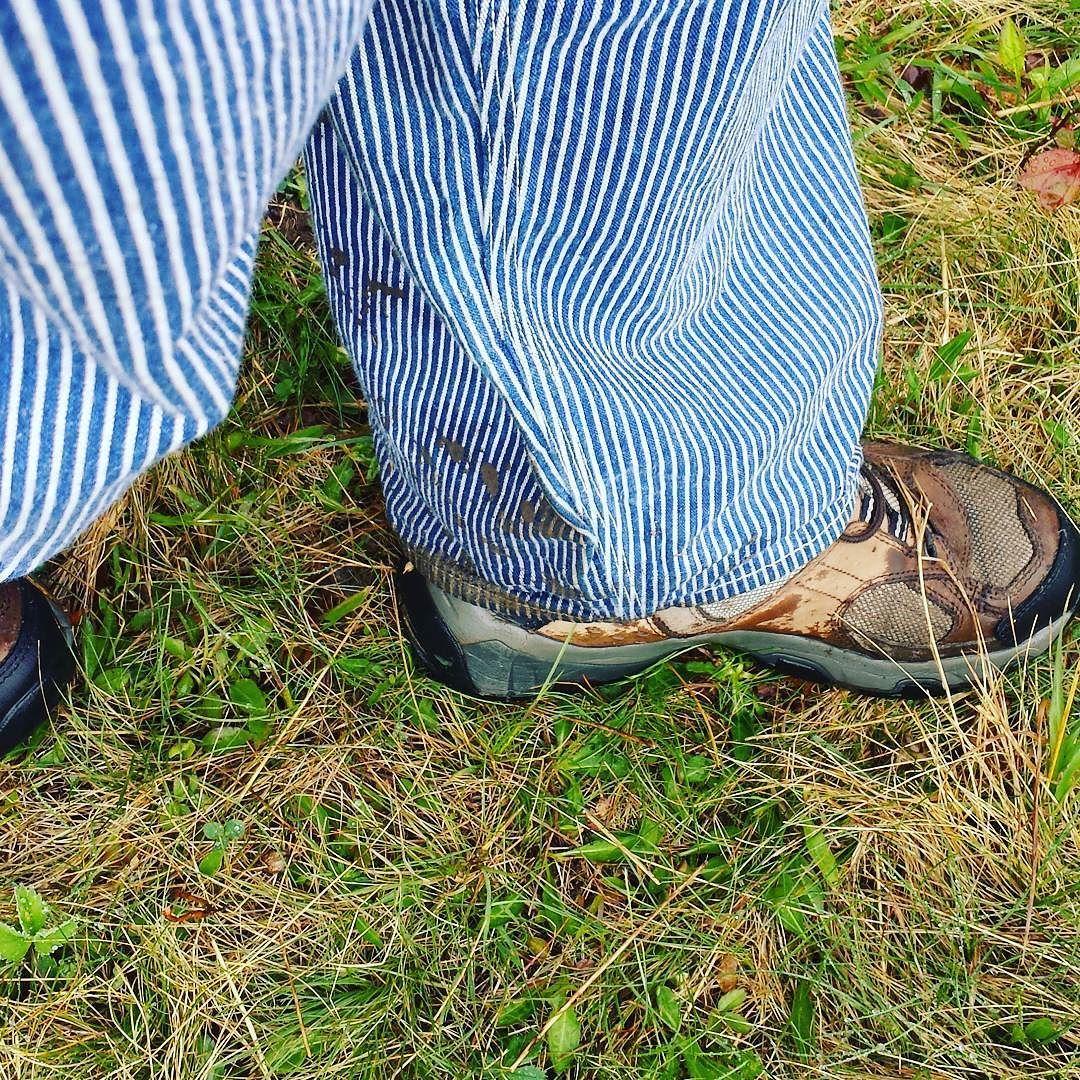 Muddy footfalls #mud #KnoxFarm #EastAurora #wny #overalls #vintage #Lee #HickoryStripe