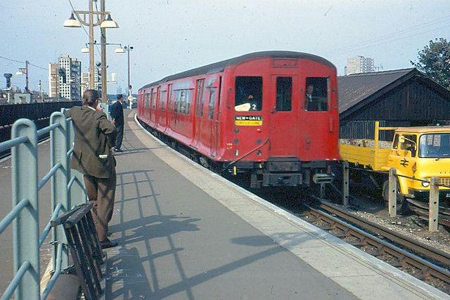 7e0162ee9732e1dc8f6bcd82650f2c76 - The East London Line: Ten years on...