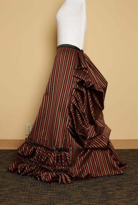 Steampunk Skirt! I *HAVE* to make this :)
