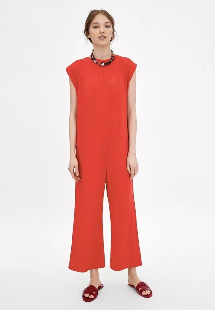 c3fa7331eab Zara Red Loose Ribbed Jumpsuit Size Small (6810) BNWT  fashion  clothing