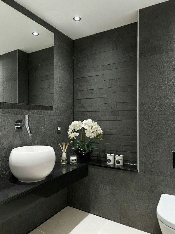 Heller Boden Und Dunkle Wand, Dazu Zenza Lampen In Der Gästetoilette · Badezimmer  FliesenDunkle ...
