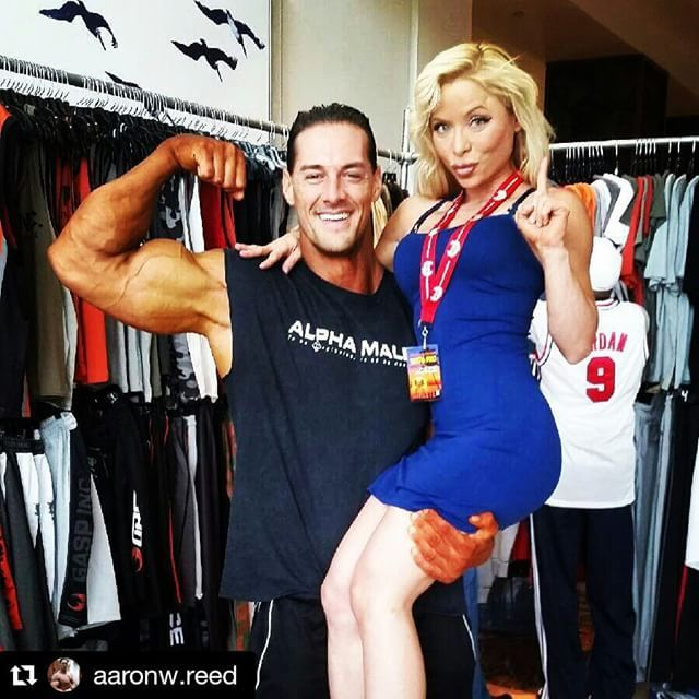 Arlene Marie On Instagram Repost Aaronw Reed With Repostapp Look What I Scooped Up At The Tampa Pro Arlenemfit Wor Bodybuilding Tampa Super Natural