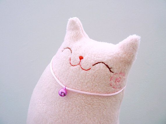 https://www.etsy.com/es/listing/211767408/plush-cat-pillow-softie-toy-doll-baby?ref=related-4