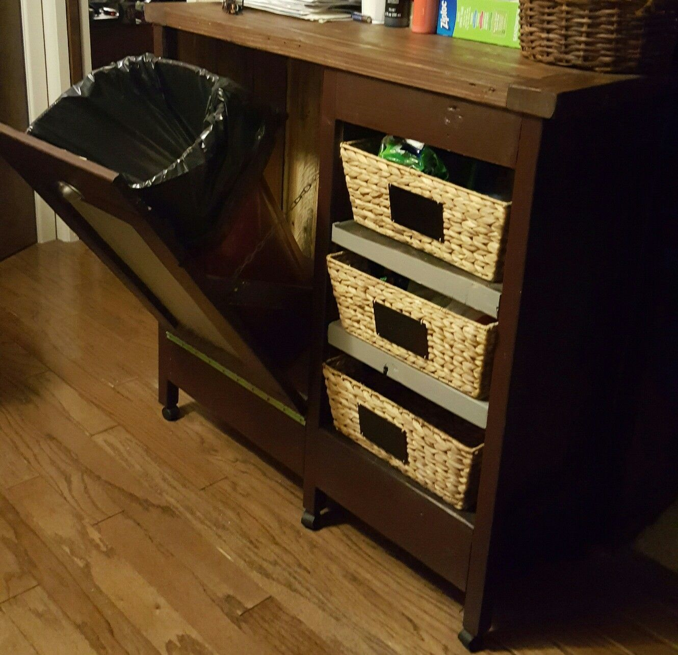 Trash can stand with storage pallet builds pinterest pallets