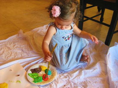 Super Simple Pudding Paint! Make edible paint out of vanilla pudding and food coloring.  Mix the pudding, add the color you want. Then your ready to paint and eat! You can use a pipe cleaner for a paint brush