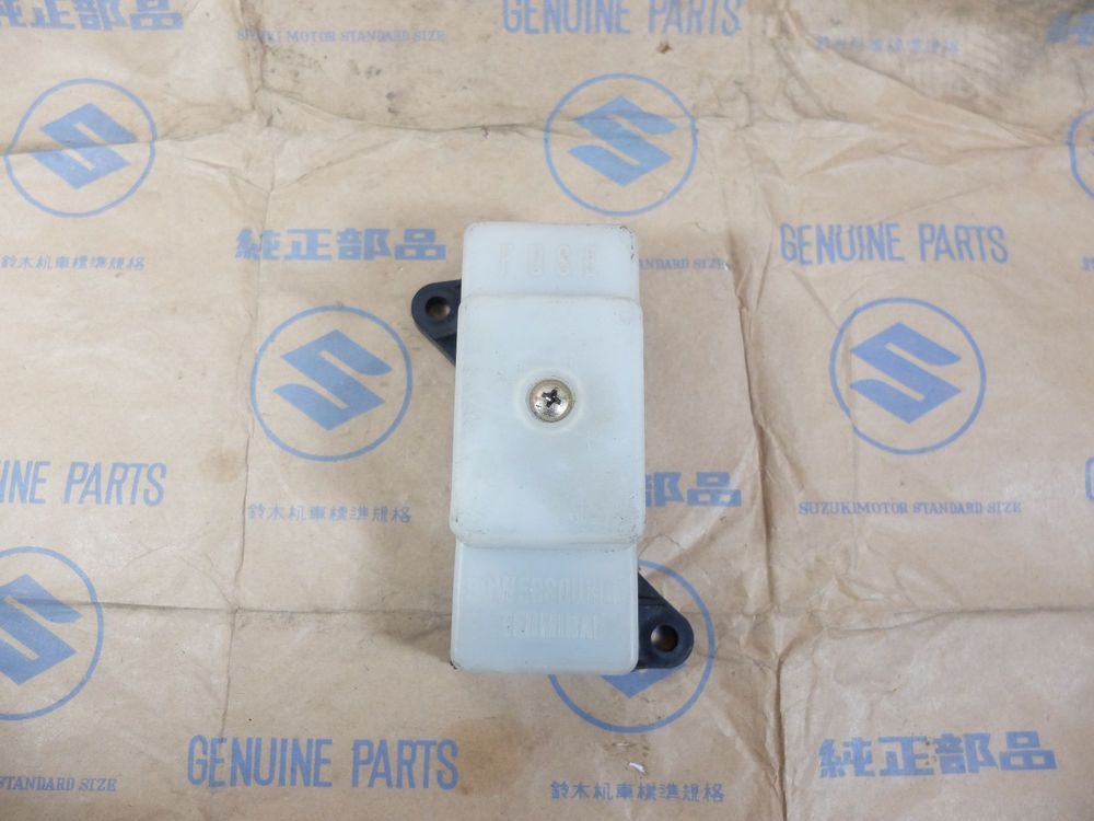 Suzuki 36740 49401 Fuse Box Assy Gs750 May Fit Gs700 Gs1000 Gs1100