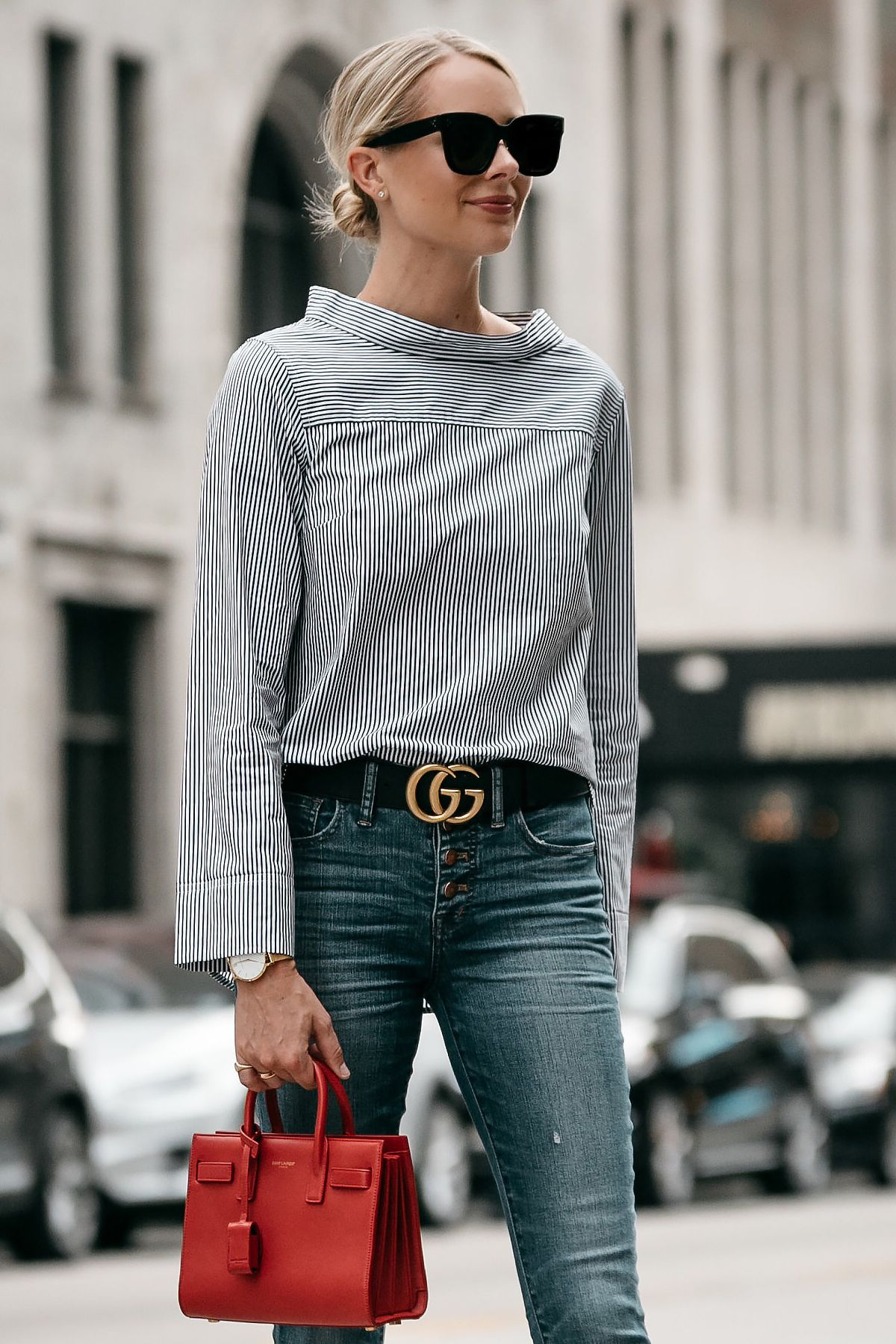 blonde woman wearing jcrew grey striped shirt denim skinny