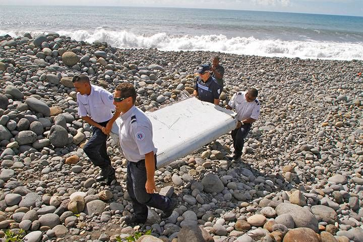 Plane debris found on Reunion Island confirmed to be from MH370: Malaysian PM