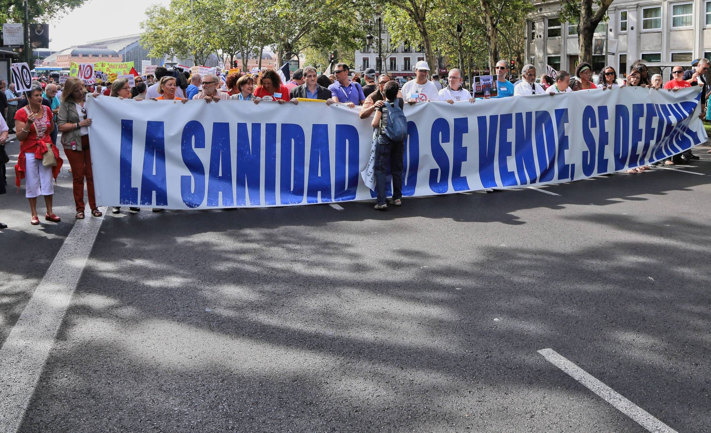 Protest Against Privatization Of Hospitals In Madrid Photo Photo Studio Photo Journal