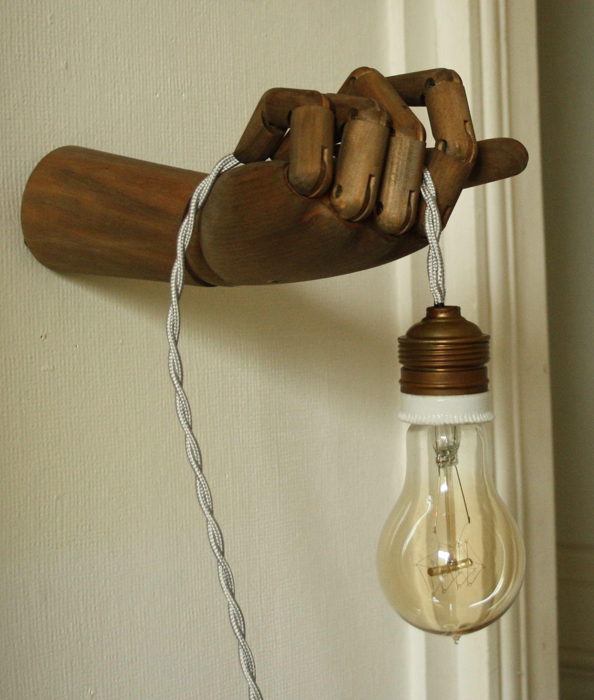 Fabriquer Une Applique En Bois lampe main articulée en bois : luminaires par carte-blanche