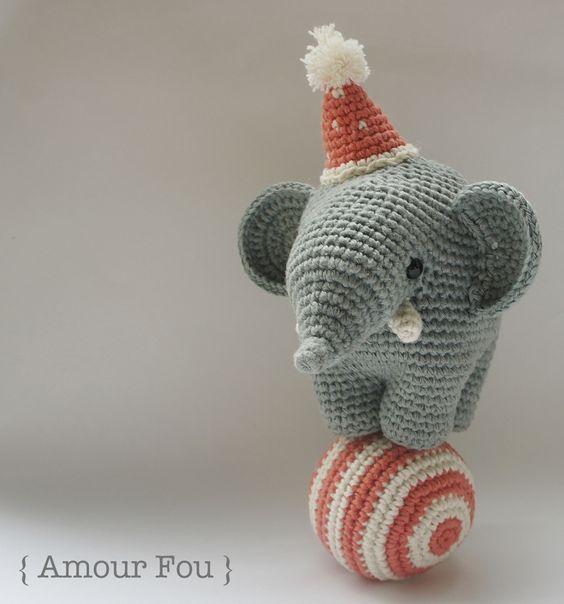 Gustav The Balancing Elephant By Carla Mitrani Free Crochet