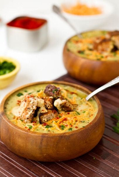 Broccoli Cheeze Soup from Oh She Glows...looks like the perfect winter comfort food!