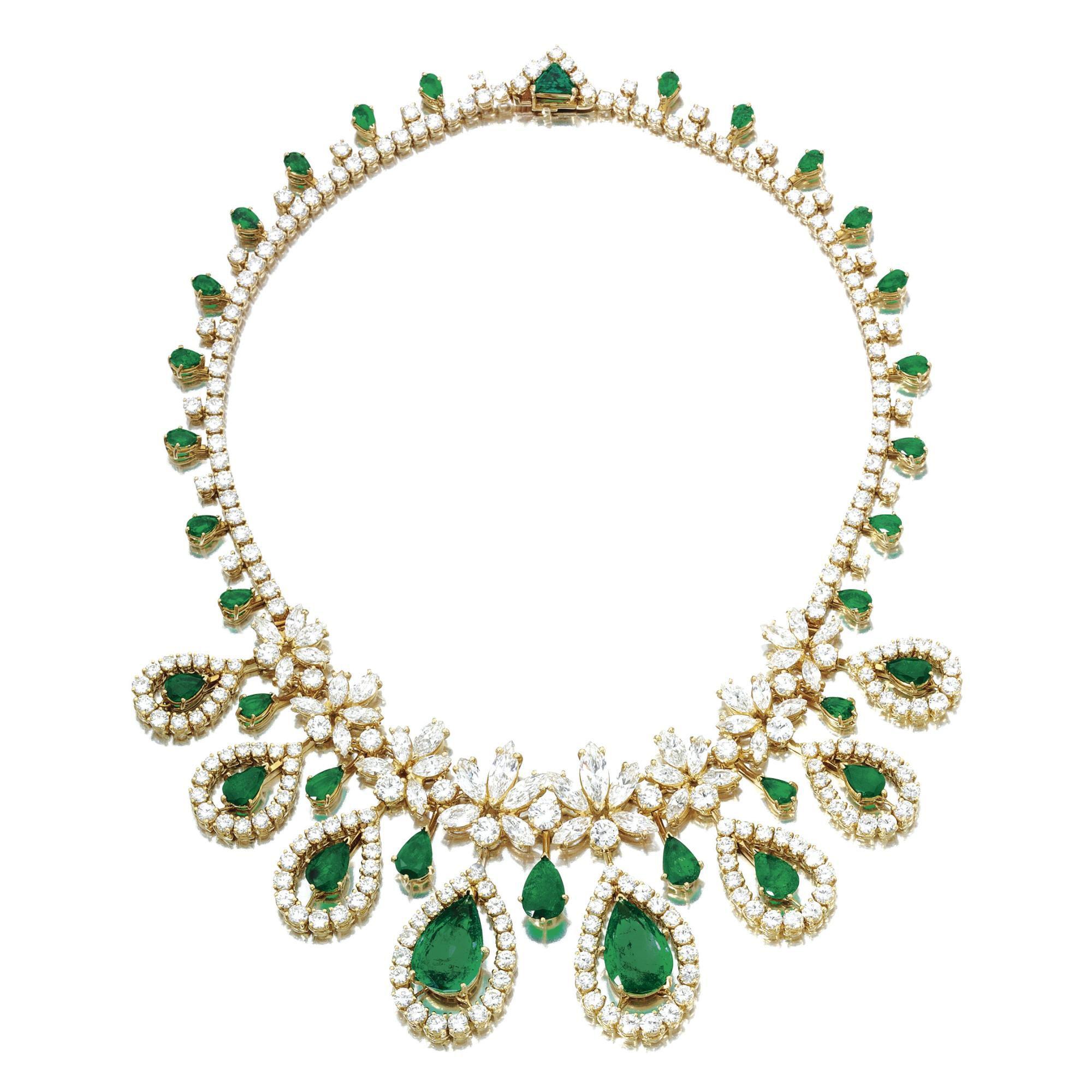 0a12bfe1f2e Emerald and diamond necklace