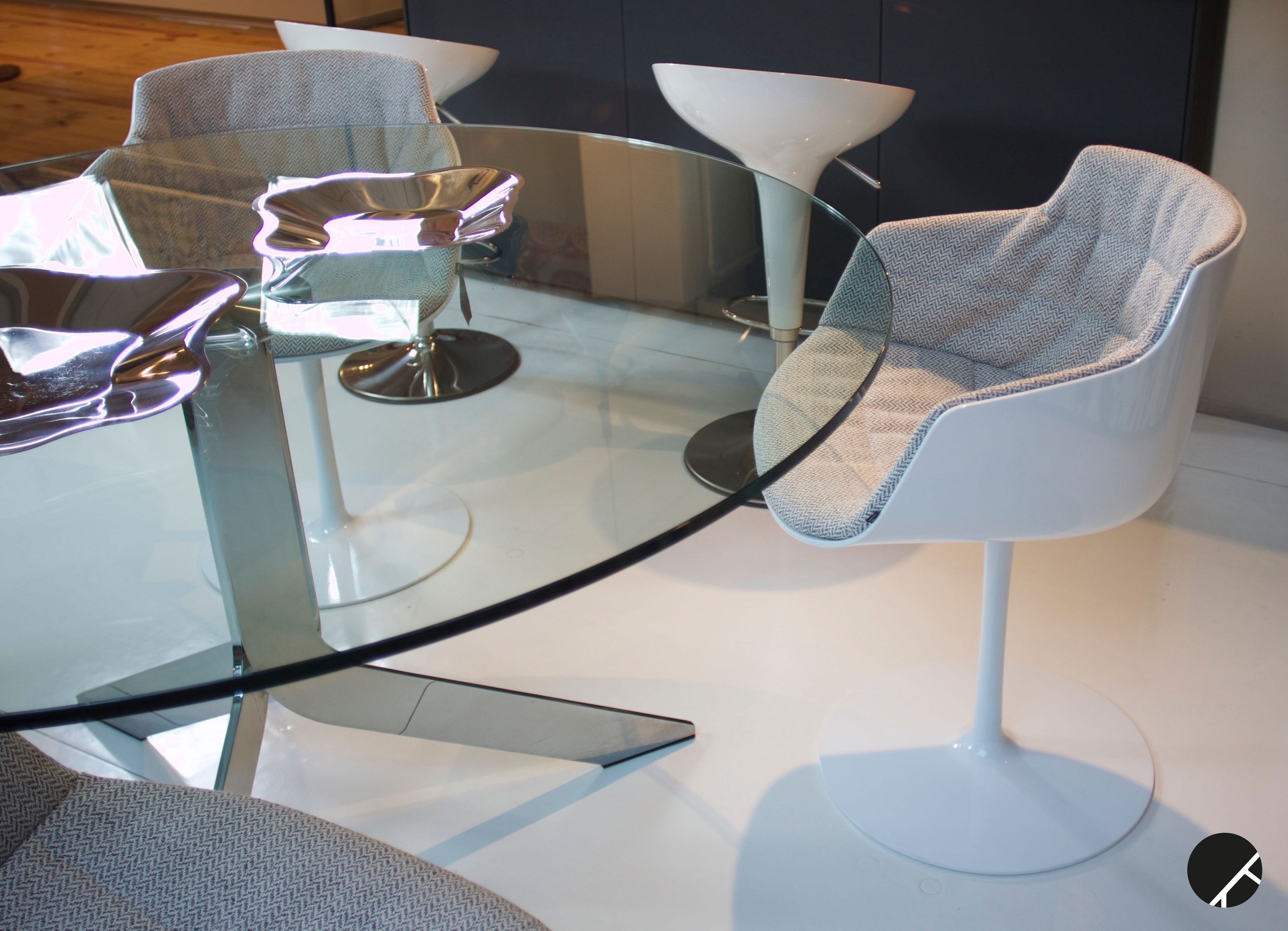 Mdf Sedie ~ Tavolo iblea di desalto e sedie flow di mdf showroom
