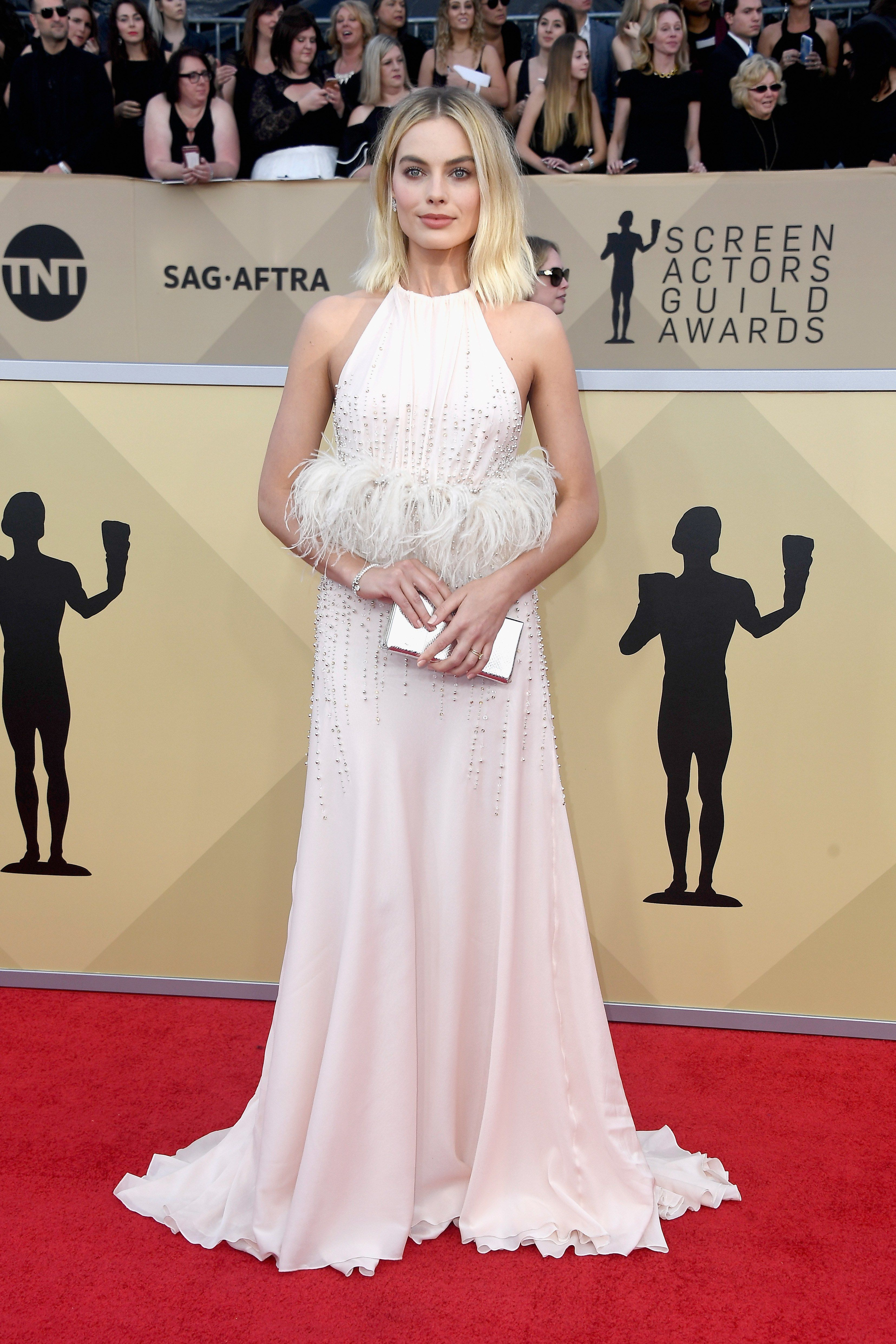 The Millennial Pink Trend Lives Another Day Thanks To Sag Awards