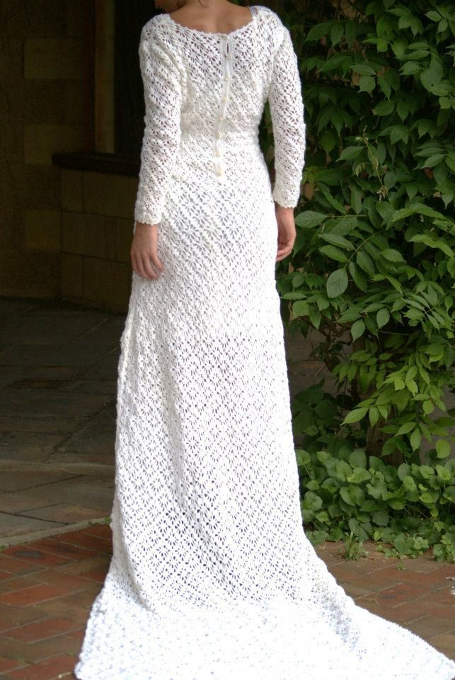 Amazing hand crocheted Wedding dress with train! I once