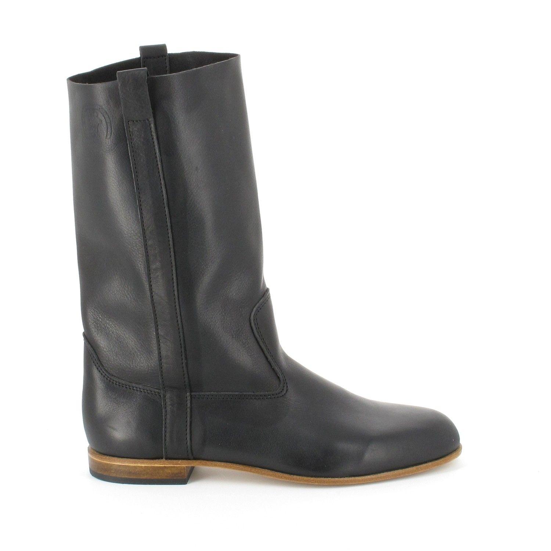 019d25944c60 Des Bottes noires en veau souple La Botte Gardiane parfaites à porter tous  les jours.