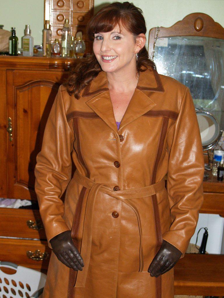 Black leather gloves brisbane - Ladies In Leather Gloves