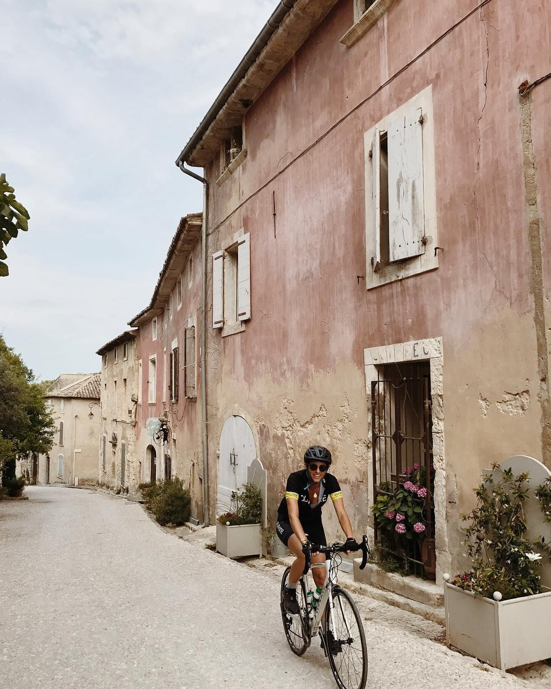 Little villages pickle the Luberon each with their distinct magical expression this is the crest of a sharp little climb into one of the most memorable Oppede le Vieux. . . #cyclephotography #cycleshots #summercycling #cyclistlife #cycleprovence #luberoncycling #luberonvalley #oppedelevieux #cyclinglove #cyclingwomen #seetheworldbybike #exploreprovence #explorebybike #specializedrobaix