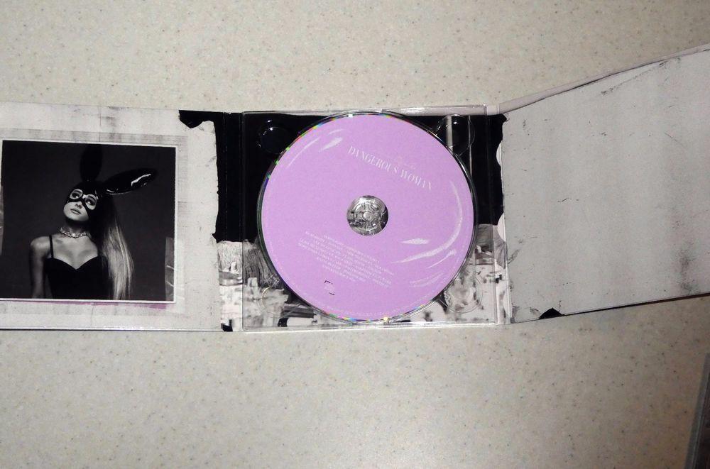 Ariana Grande - Dangerous Woman Hong Kong Deluxe the best Pink CD
