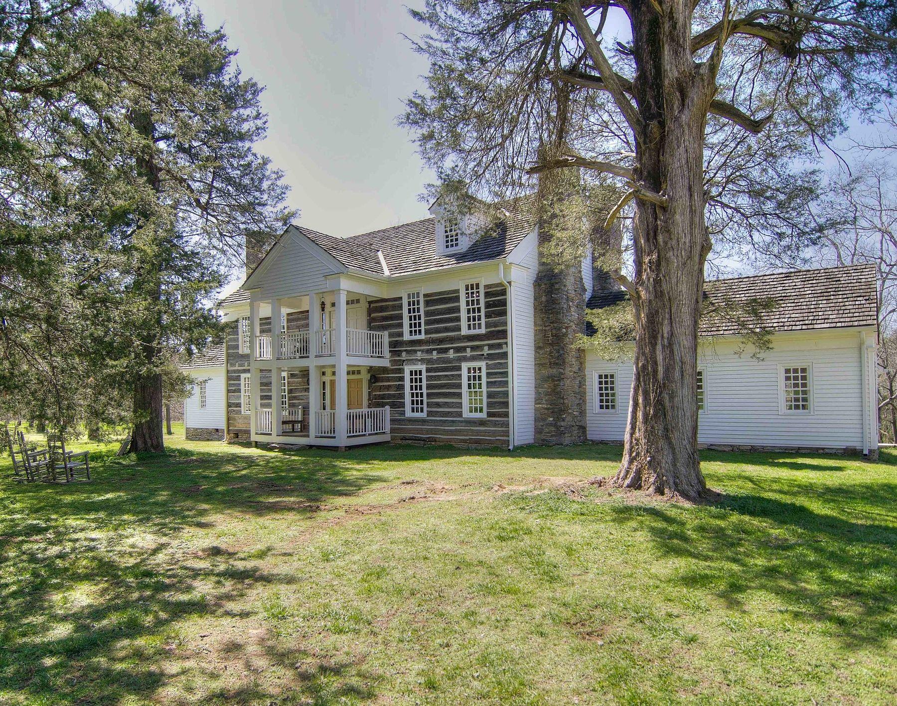 a rare home opportunity rockdale plantation homes exteriors rh pinterest com