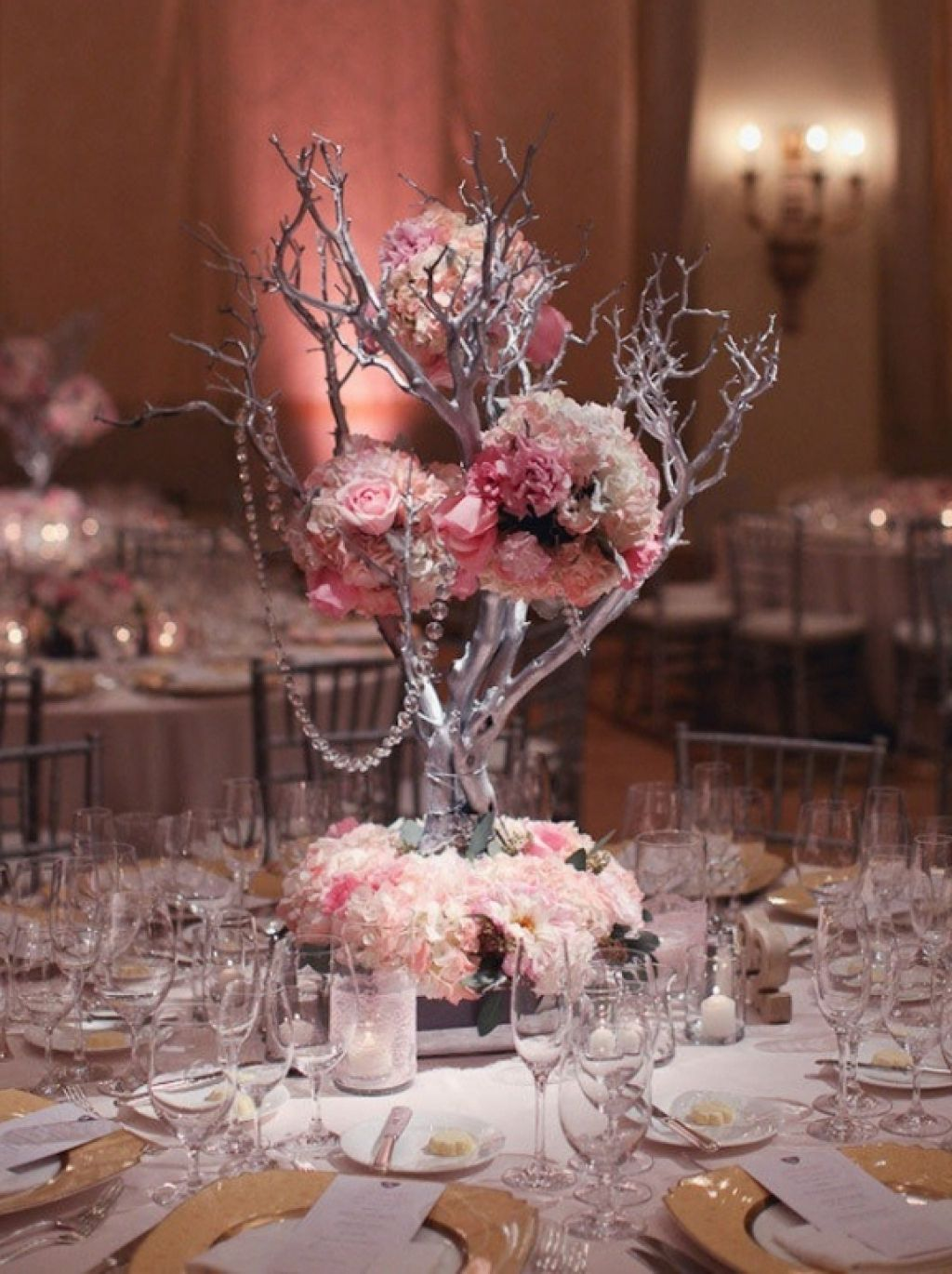 Wedding decorations on tables  making inexpensive wedding decoration centerpiecescaroline wedding