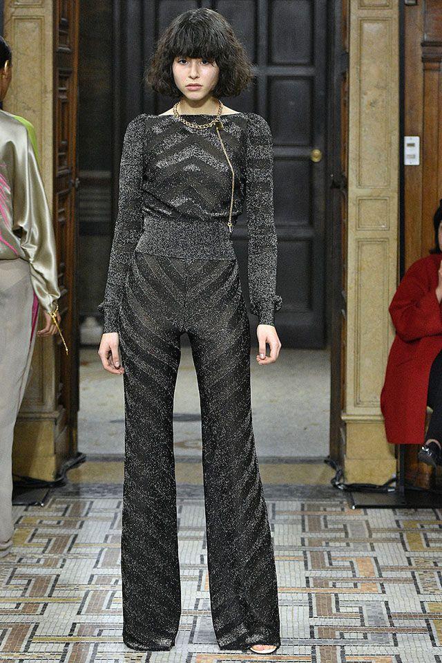 Ligia Nottingham: Milan Fashion Week: 10 looks para amar! Vionnet -  Macacão preto em estampas chevron de lurex.