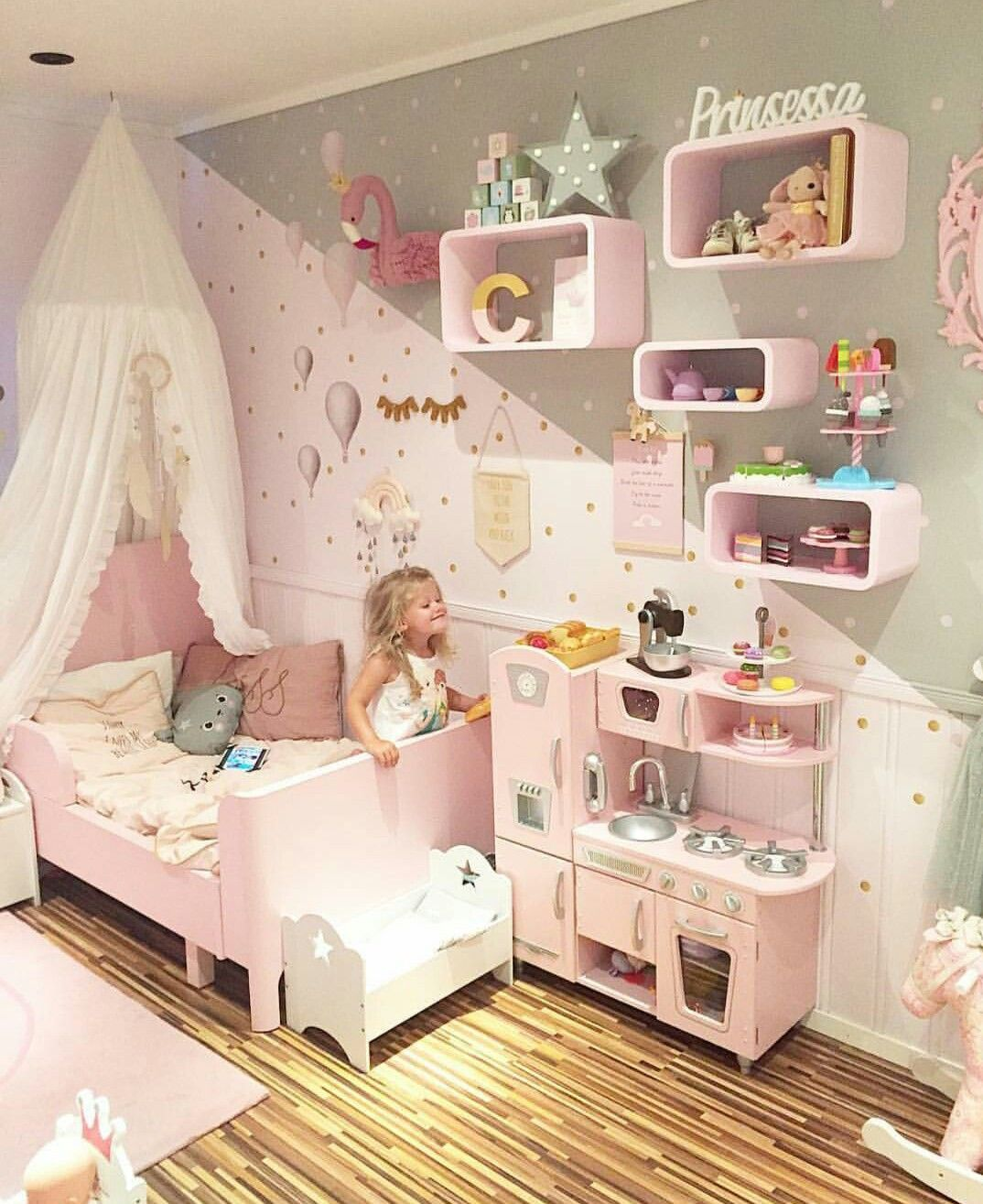 Pin By Kubra Koseoglu On Baby Child Room Toddler Bedroom Girl