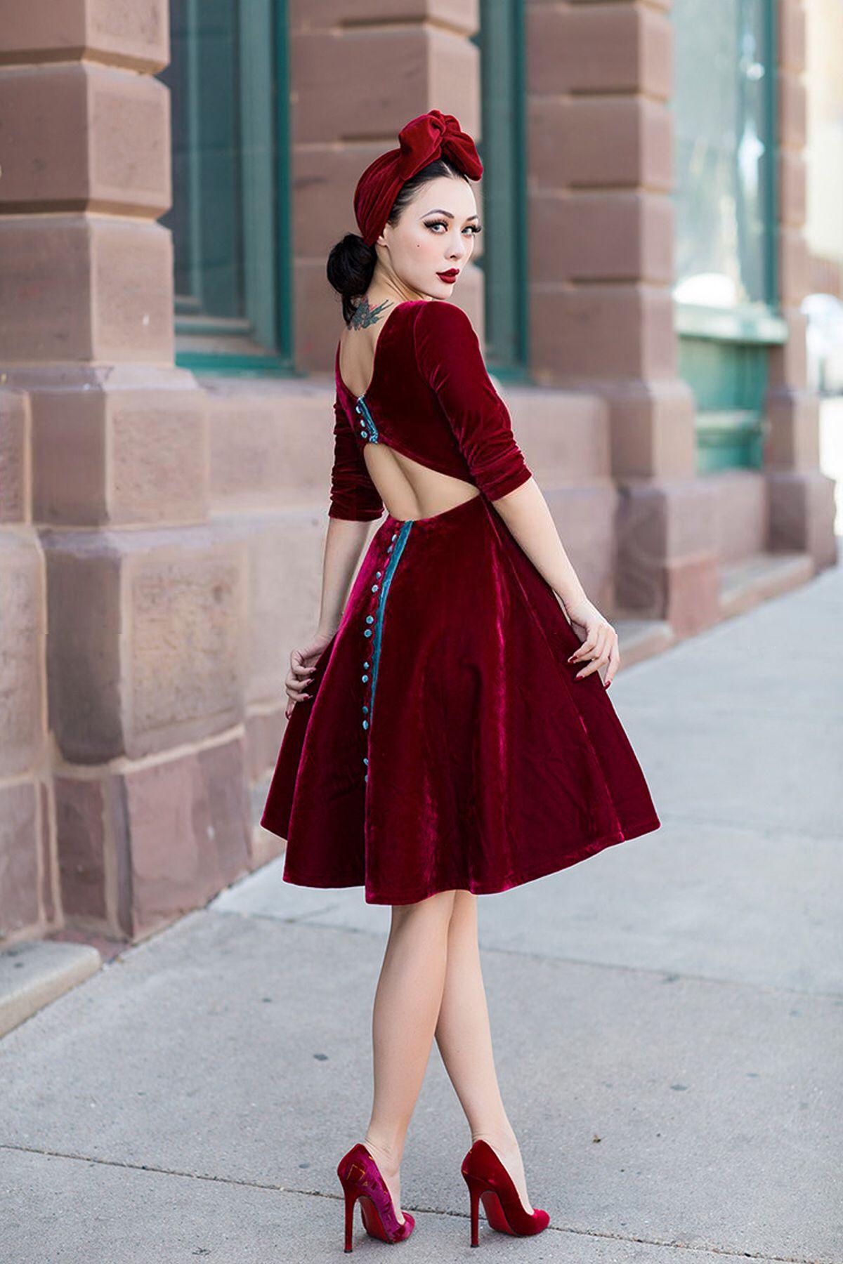 Vintage Kleding.Le Palais Vintage Classical Velvet Deep Red Backless Dress Designed