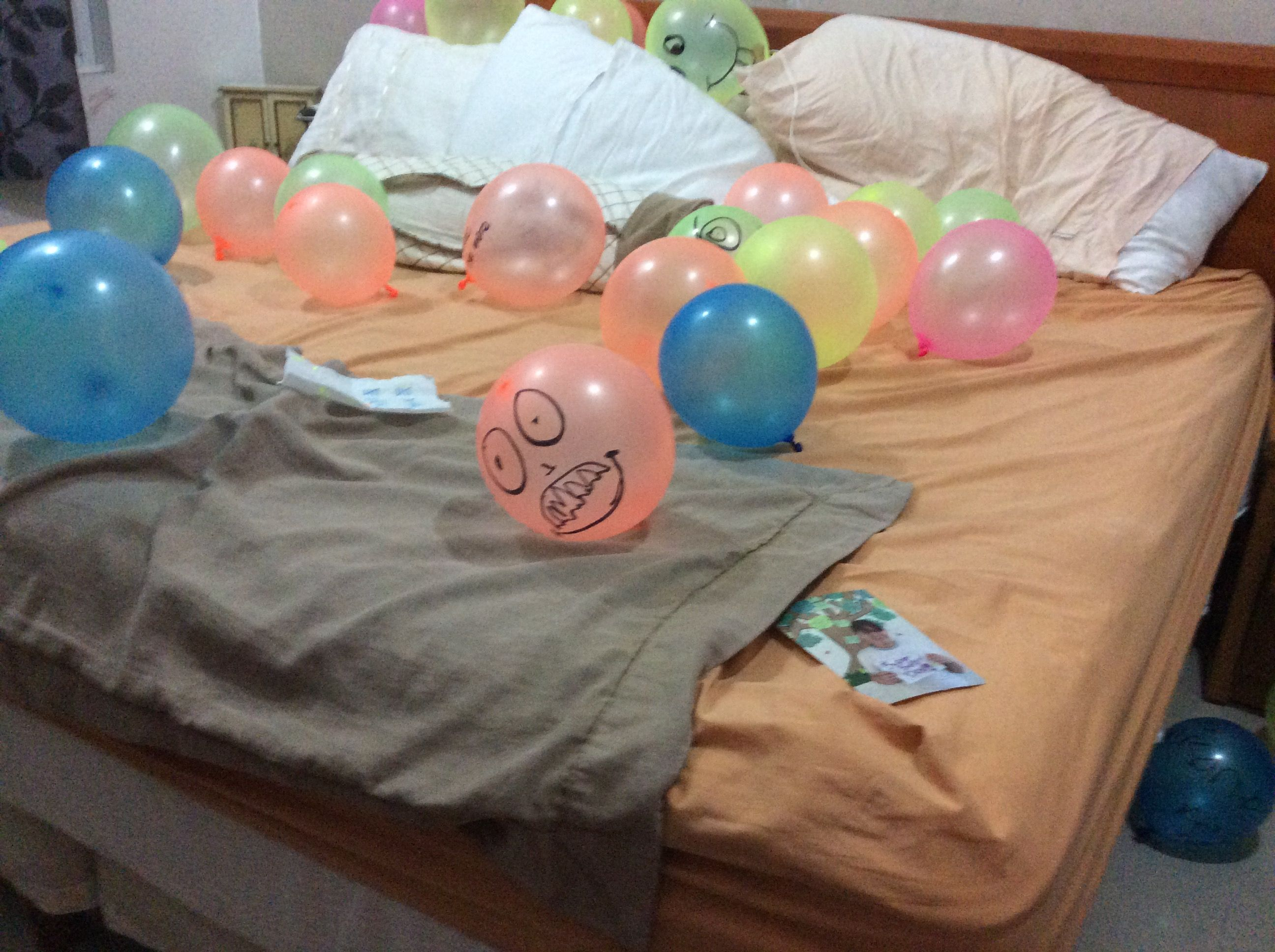 Awesome idea for birthday fill their room