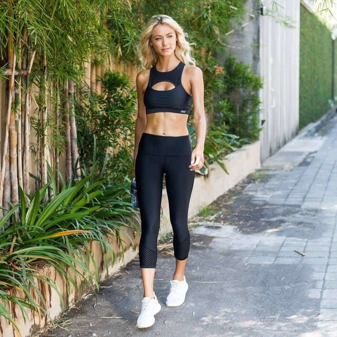 Find your strutt in the Trackside Sports Bra and 7/8