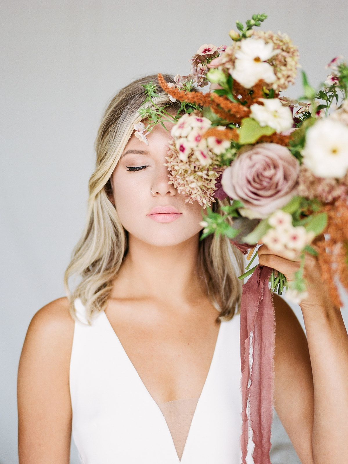 Summer Styled Shoot With Michelle Lange Bright Bouquet Bridal