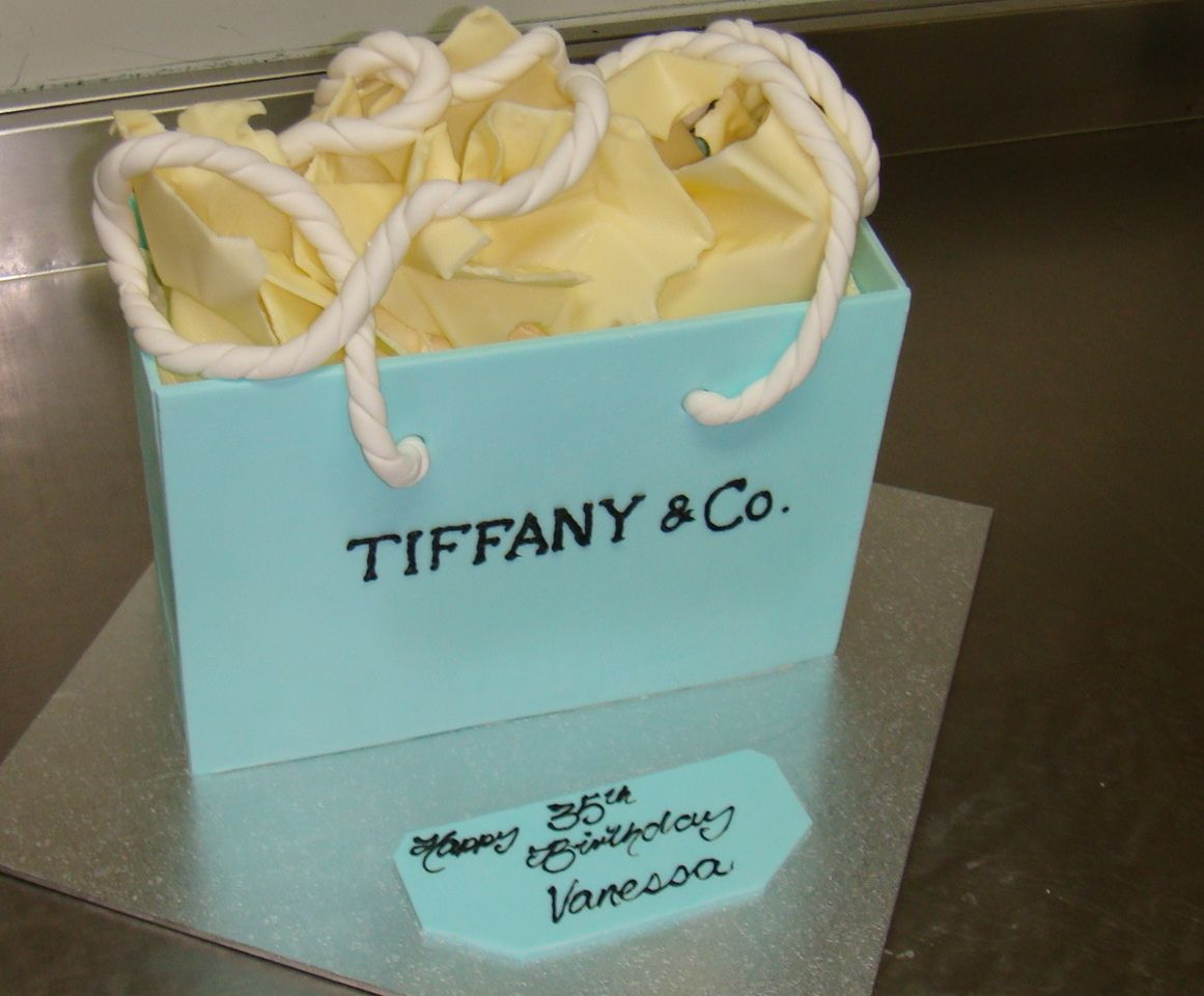 Tiffany shopping bag cake, white chocolate, melt in the mouth ...