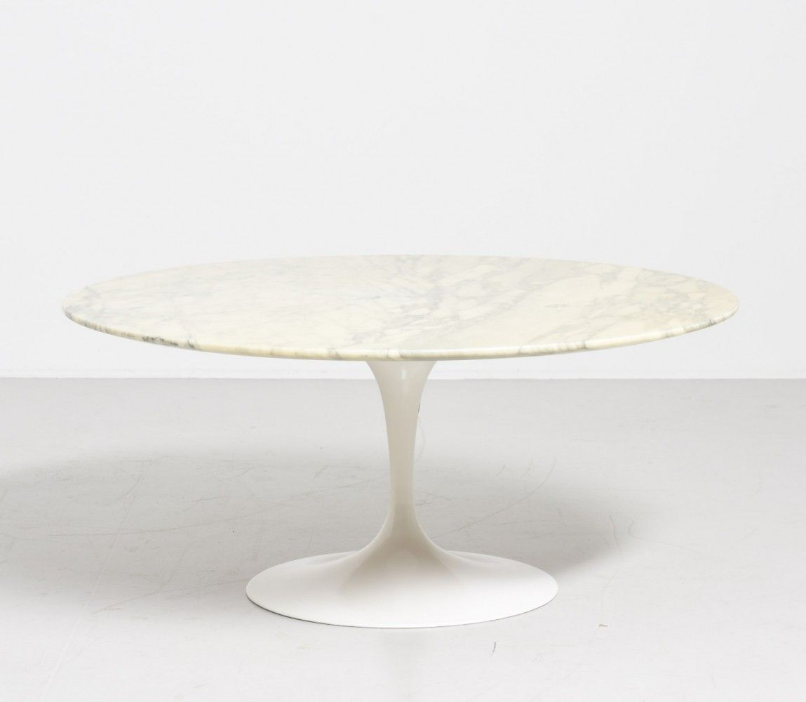 Marble round Tulip table by Eero Saarinen for Knoll International
