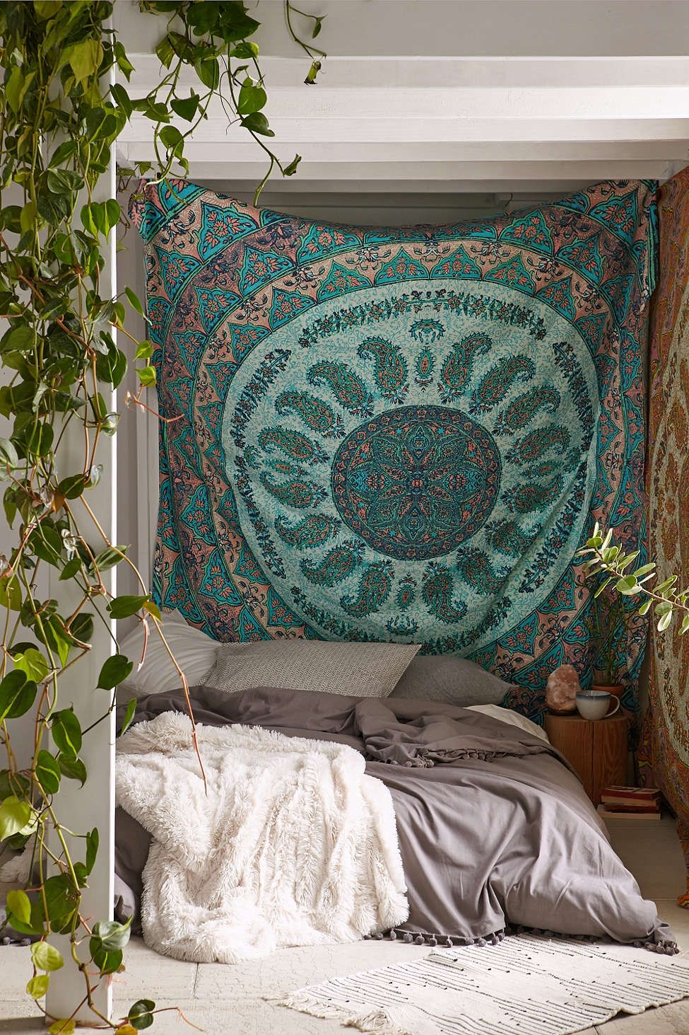 Plum u bow laila medallion tapestry tapestry urban outfitters and
