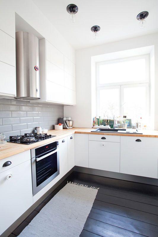 Mieszkanie Z Czarna Podloga Kuchnia Styl Nowoczesny Aranzacja I Wystroj Wnetrz Eclectic Kitchen Home Kitchens Kitchen Decor