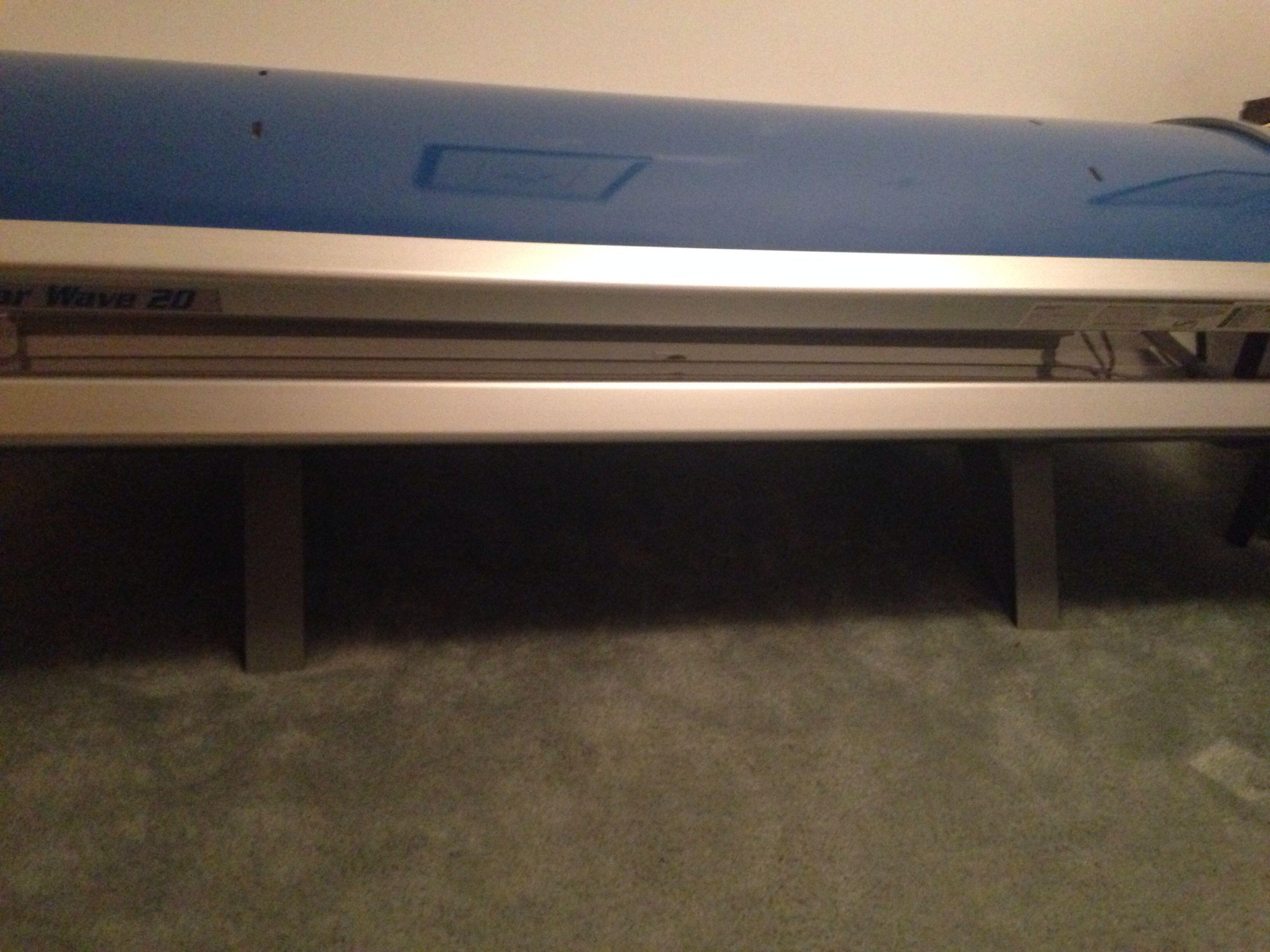 Solar wave Tanning bed in Dealssss' Garage Sale St Clair