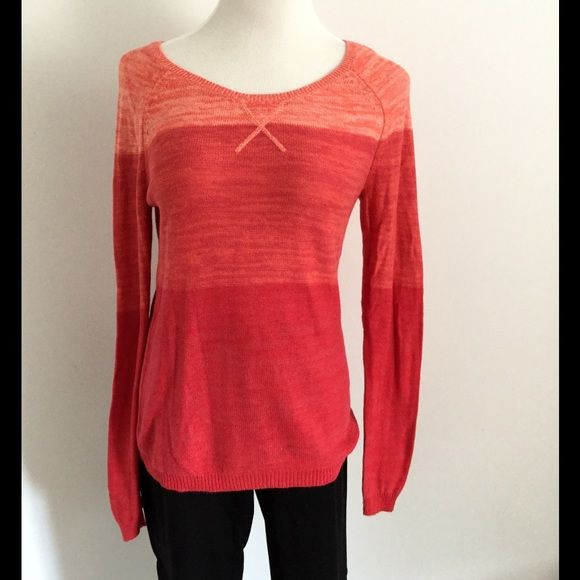 Old Navy Ombré Red Sweater Great sweater, light weight so you can layer over or under. Amazing fit, well loved but does not show any wear. Old Navy Sweaters