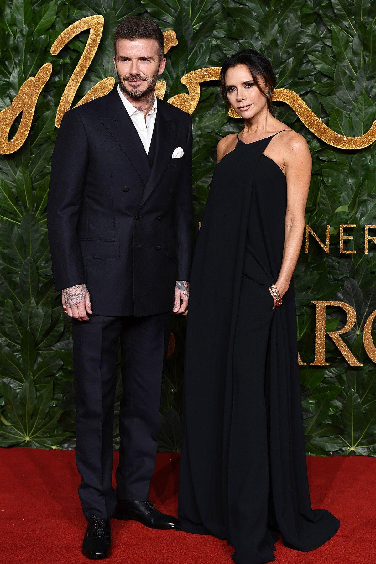 Victoria y David Beckham - British Fashion Awards 2018   Celebrity ... de726136b986