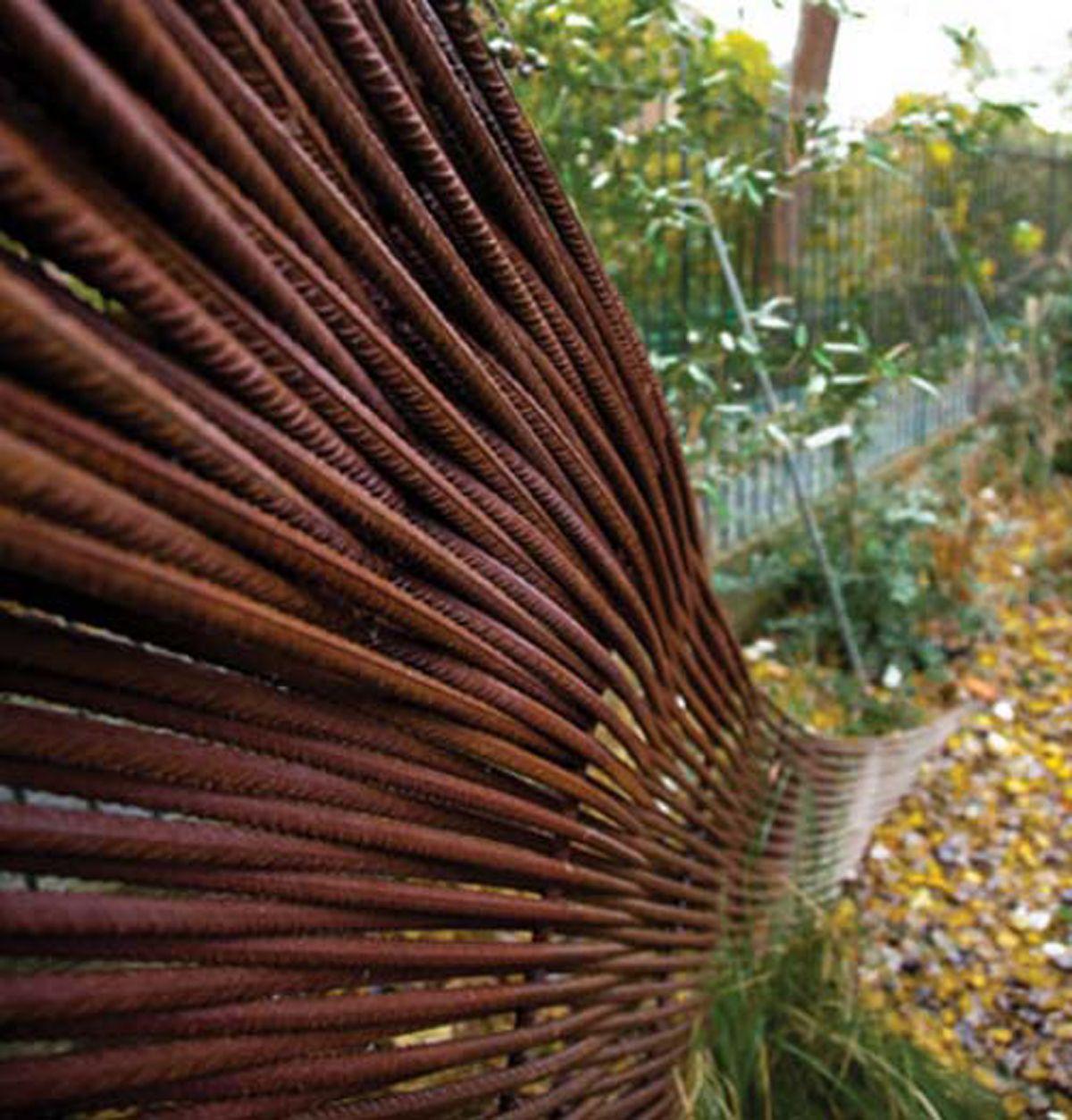 metal work garden decor idea 4Rustic Garden Pinterest