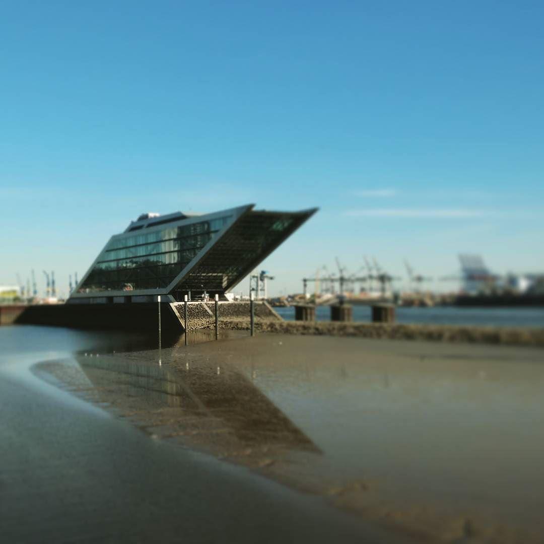 We\'re running out of water... #Hamburg #Altona #Dockland #Elbe ...
