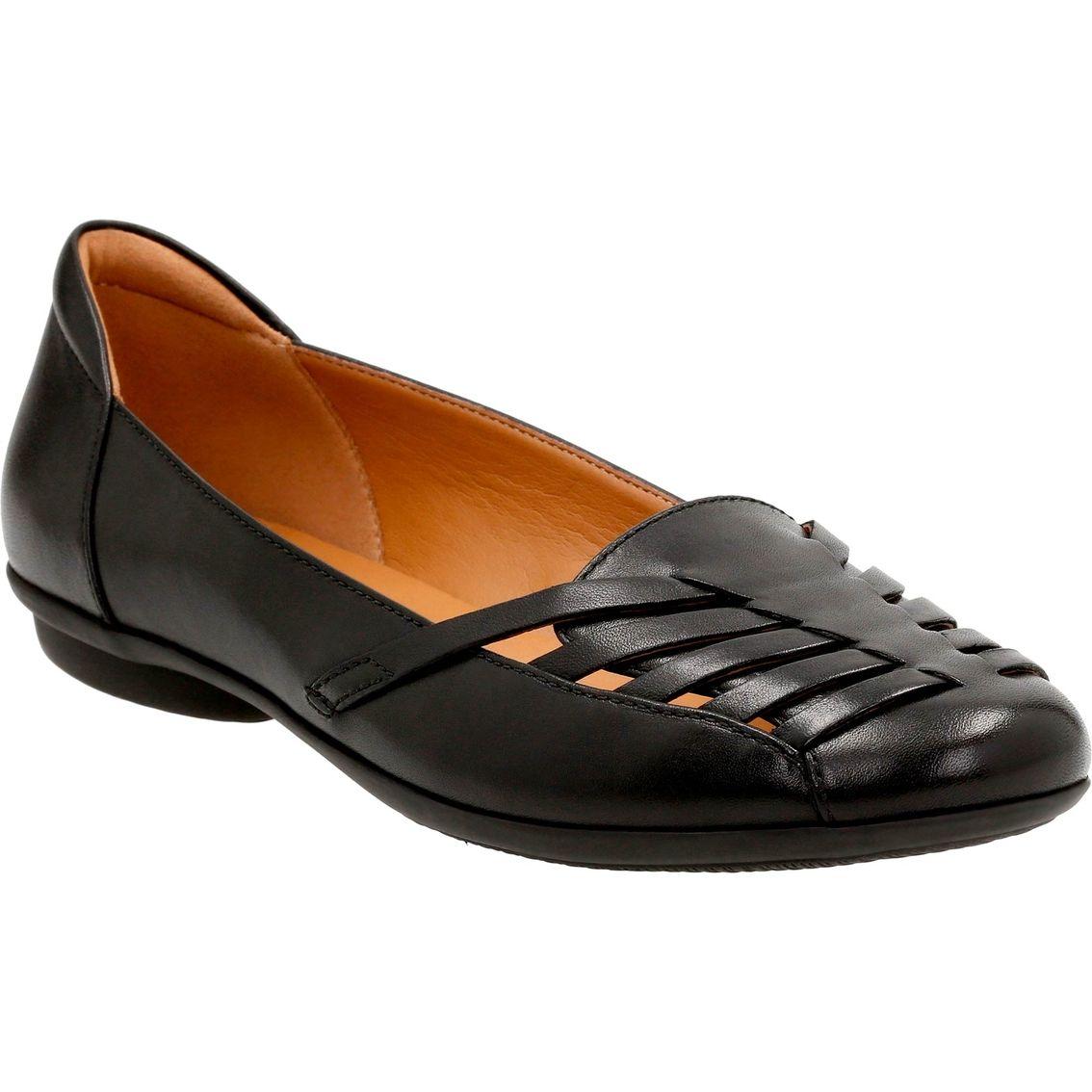 e73904f310fe Clarks Women s Gracelin Gemma Comfort Slip On Shoes