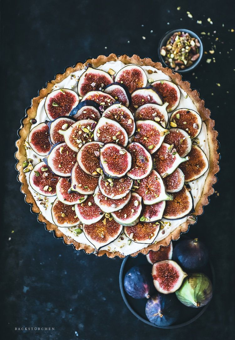 Fig tart with crispy shortcrust pastry