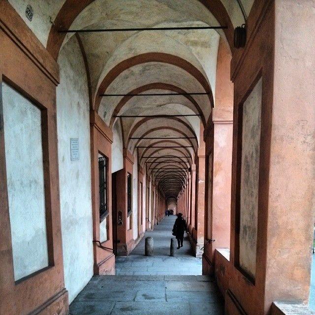 Bologna, portico verso San Luca, foto di @creativomoc dal CONCORSO I PORTICI DI BOLOGNA