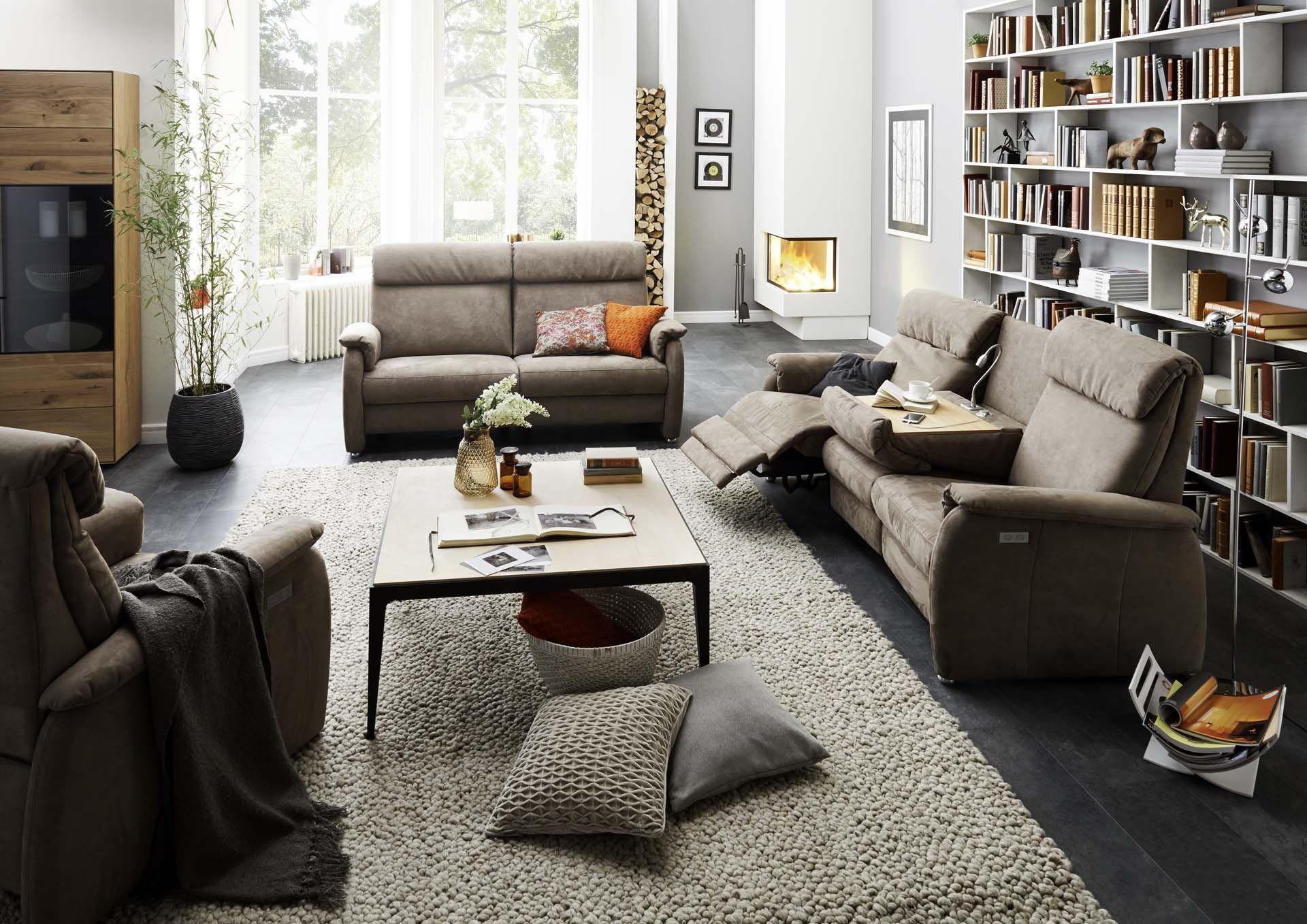 Mit dieser #Garnitur steht nichts im #Wege, den #Feierabend zu genießen. #Wohnzimmer #Garnitur #Polstermöbel
