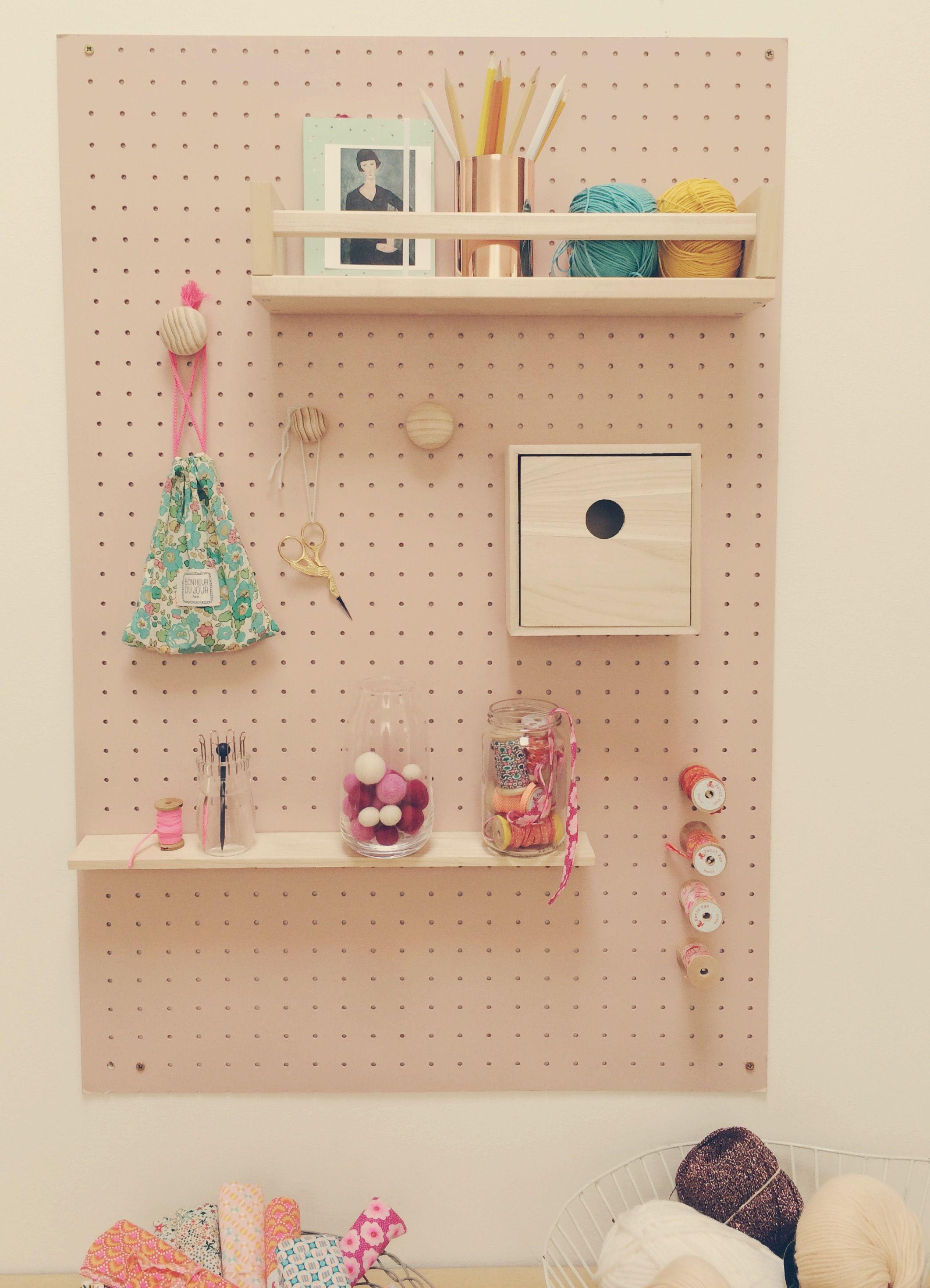 Peg Board Pour Exposer Mes Petites Affaires De Coutures Trop