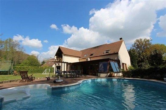 Milly-la-Forêt maison familiale sur terrain clos de plus de 140 0m² - salon sejour cuisine ouverte